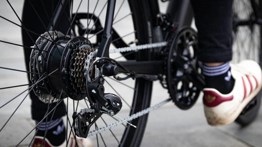 Shimano gears on the Avaris Ebike